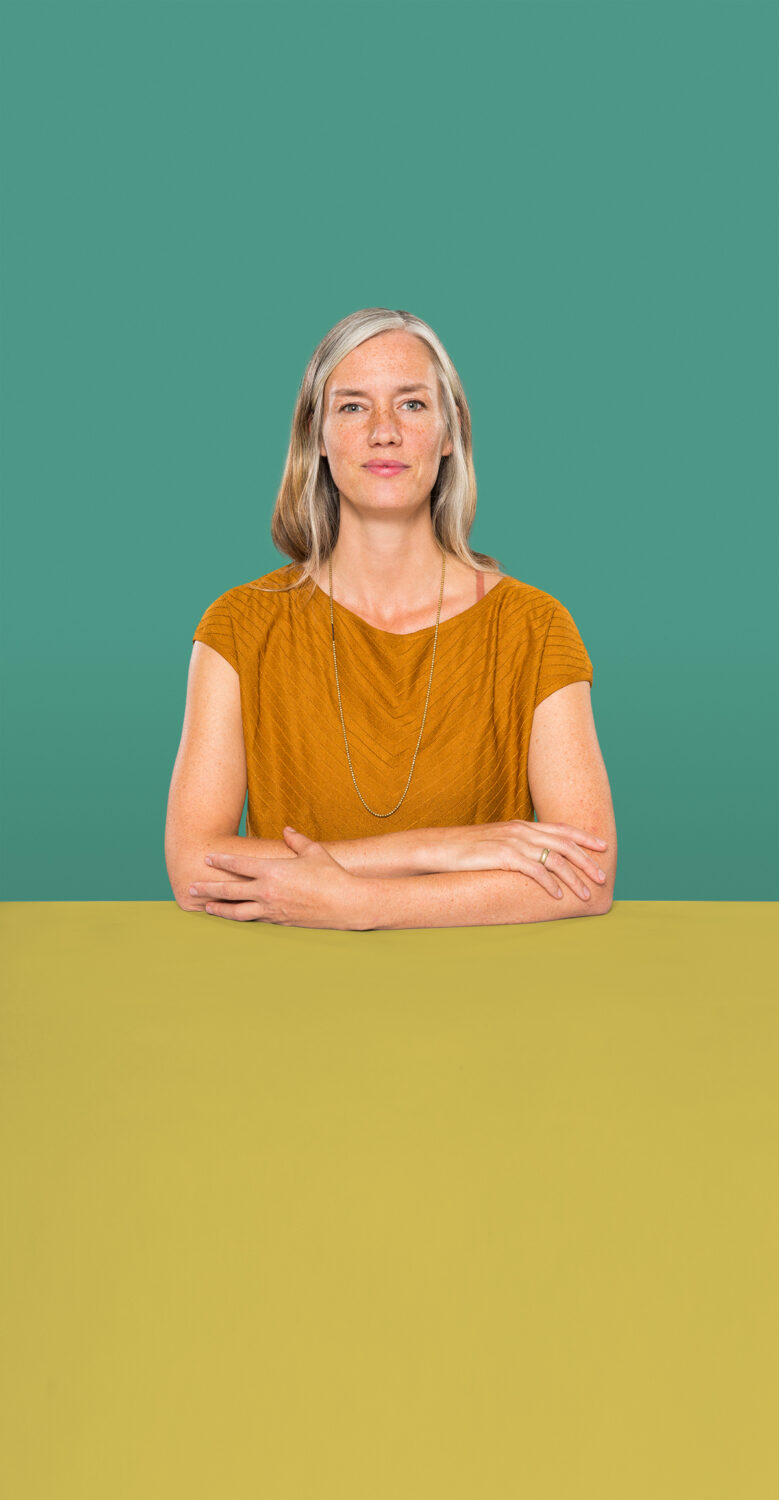 Portrait of Ariane Jäger who is a Senior UX Consultant at the UX Agency UseTree GmbH in Berlin.
