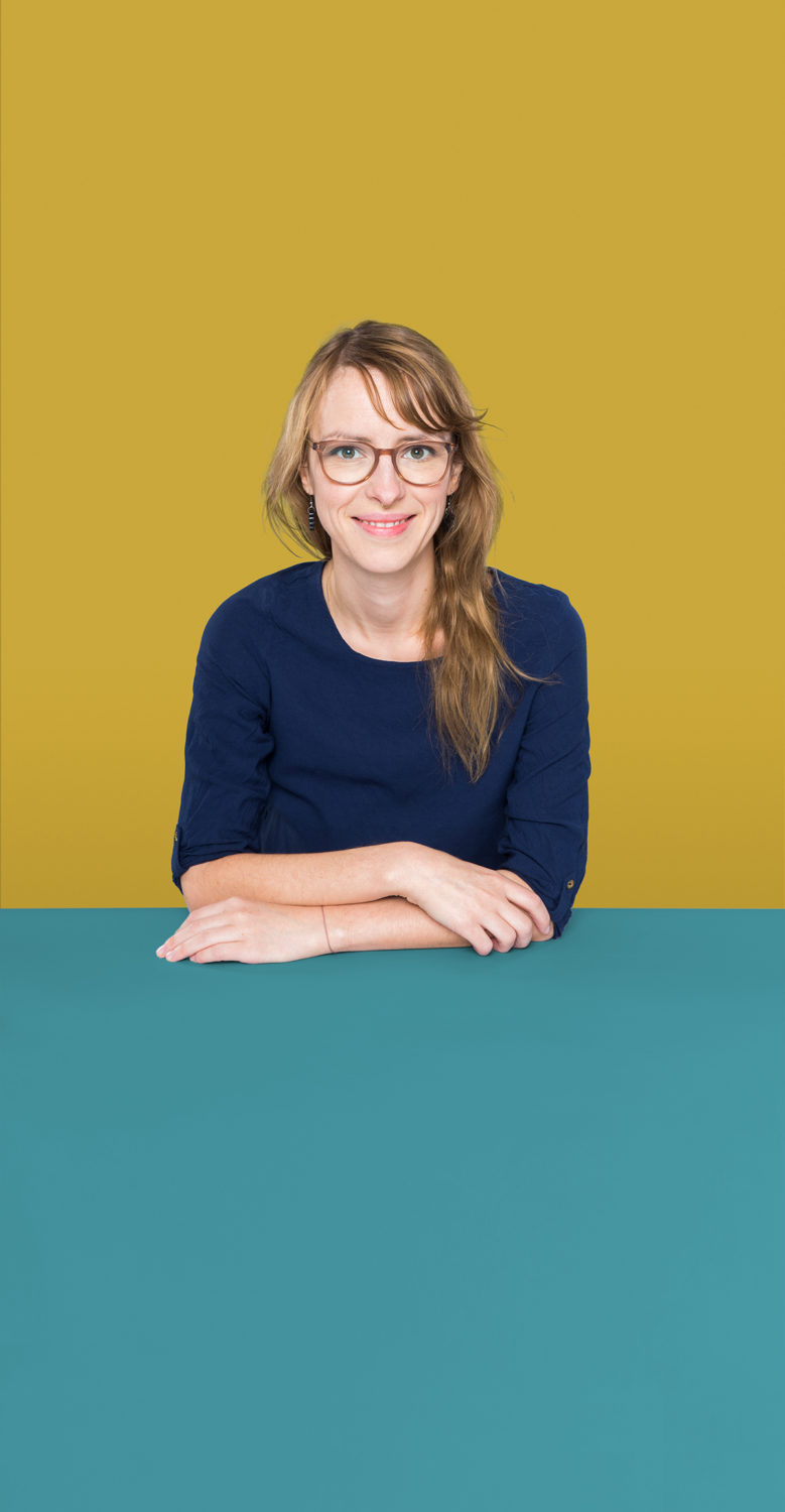 Portrait of Johanna Petzold who is a Senior UX Designer at the UX Agency UseTree GmbH in Berlin.